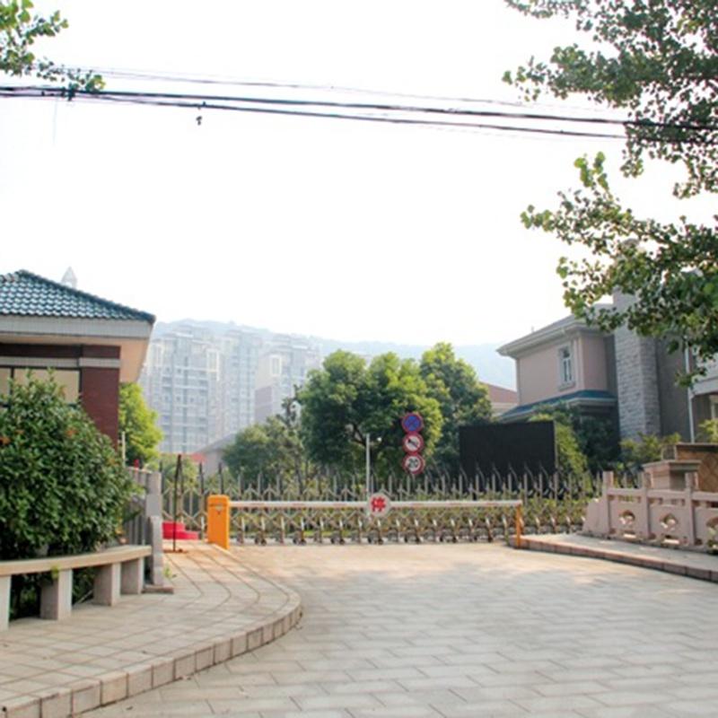 华西村龙东湖